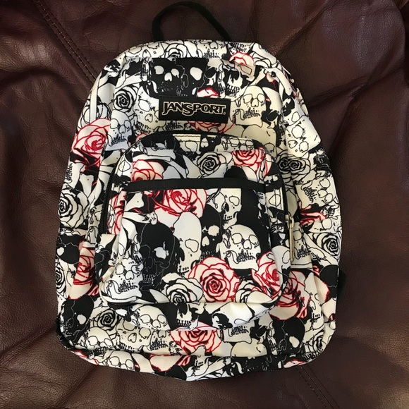 Jansport Handbags - Skull   Roses 🌹💀 🎒 Mini JanSport 8fdd157bfff71